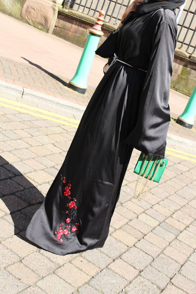 Oriental Black Abaya by Noor Boutique side-on view