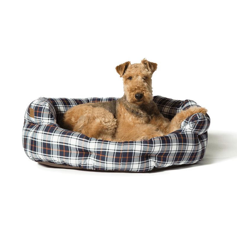 Lumberjack Deluxe Slumber Dog Bed in White and Navy