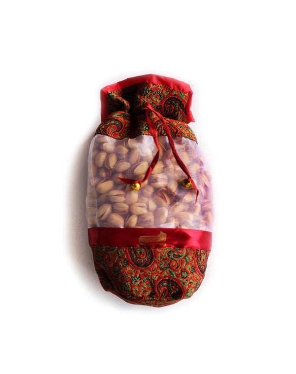 Tavazo's gift bag with 500 grams of roasted and salted Iranian pistachios.