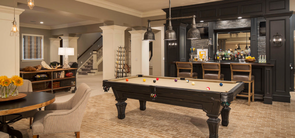 If you're lucky enough to have the possibility & the space to have a billiard room in your house, then there is plenty to consider before decorating it