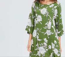 Load image into Gallery viewer, Camila Floral Print Shirring Dress