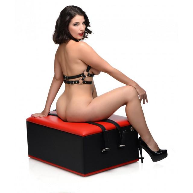 Master Series Queening Chair