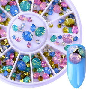 Deluxe Rhinestones & Chains - Nail Decoration Set - taylormadison.store