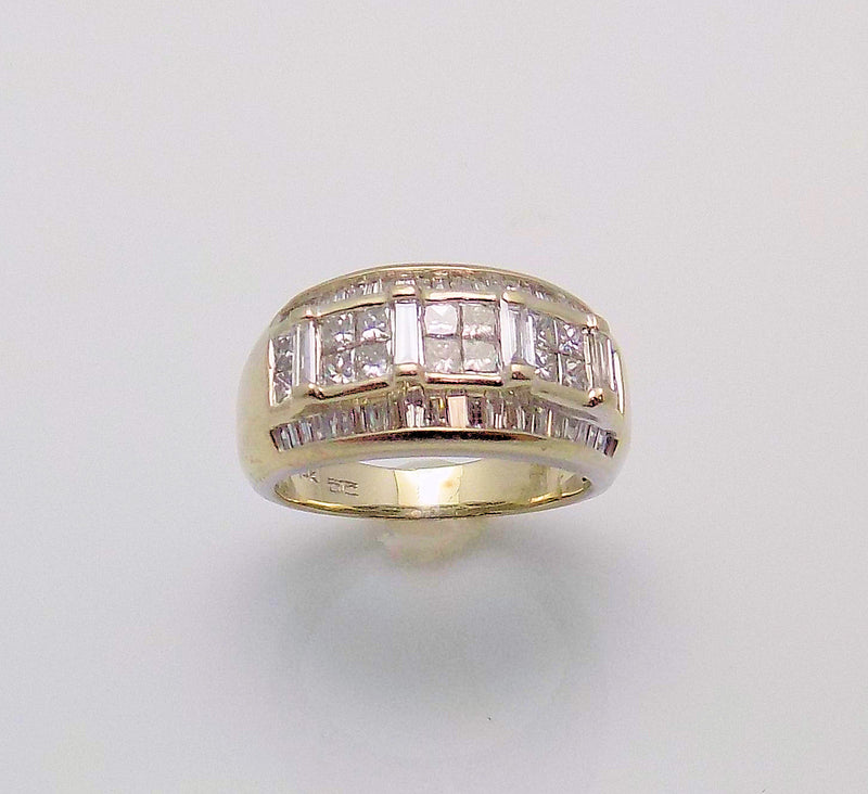 14K White Gold Diamond Tapered Band