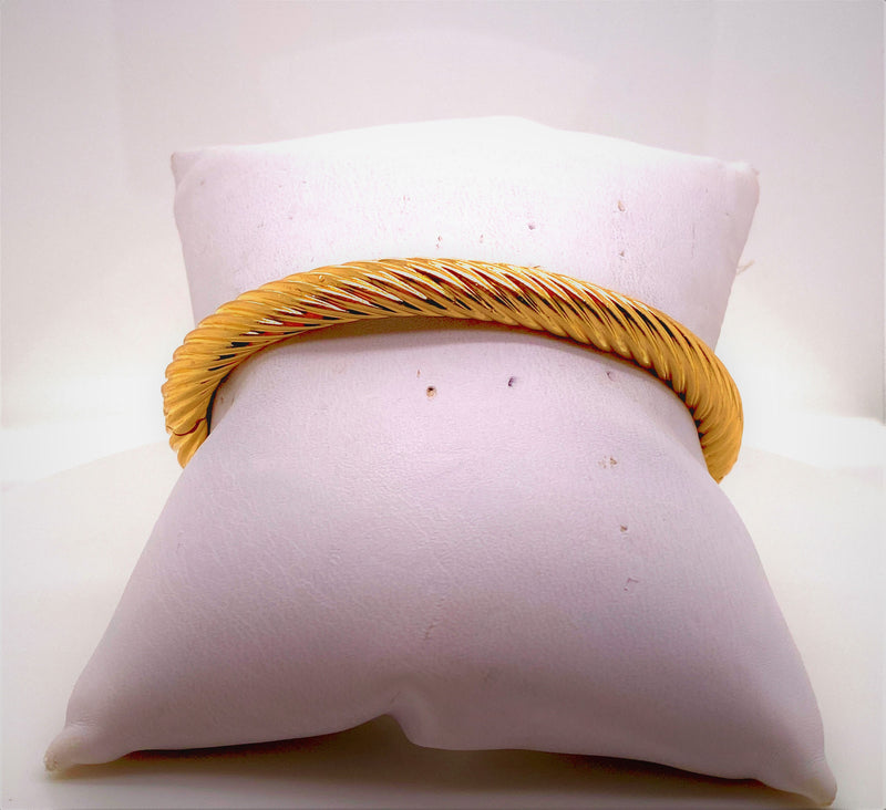 TIFFANY & CO. 18K Yellow Gold Twist Cable Hinged Bracelet