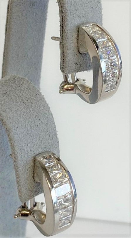 18K White Gold/Yellow Gold Antique Cameo Pendant