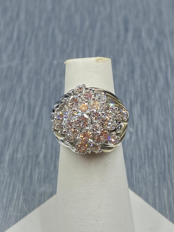 18K White Gold Diamond Cluster/Cocktail Ring