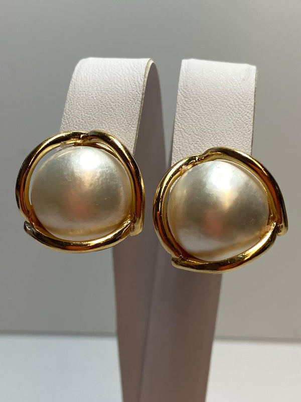 Pair 14K Yellow Gold Mabé Pearl Clip Earrings