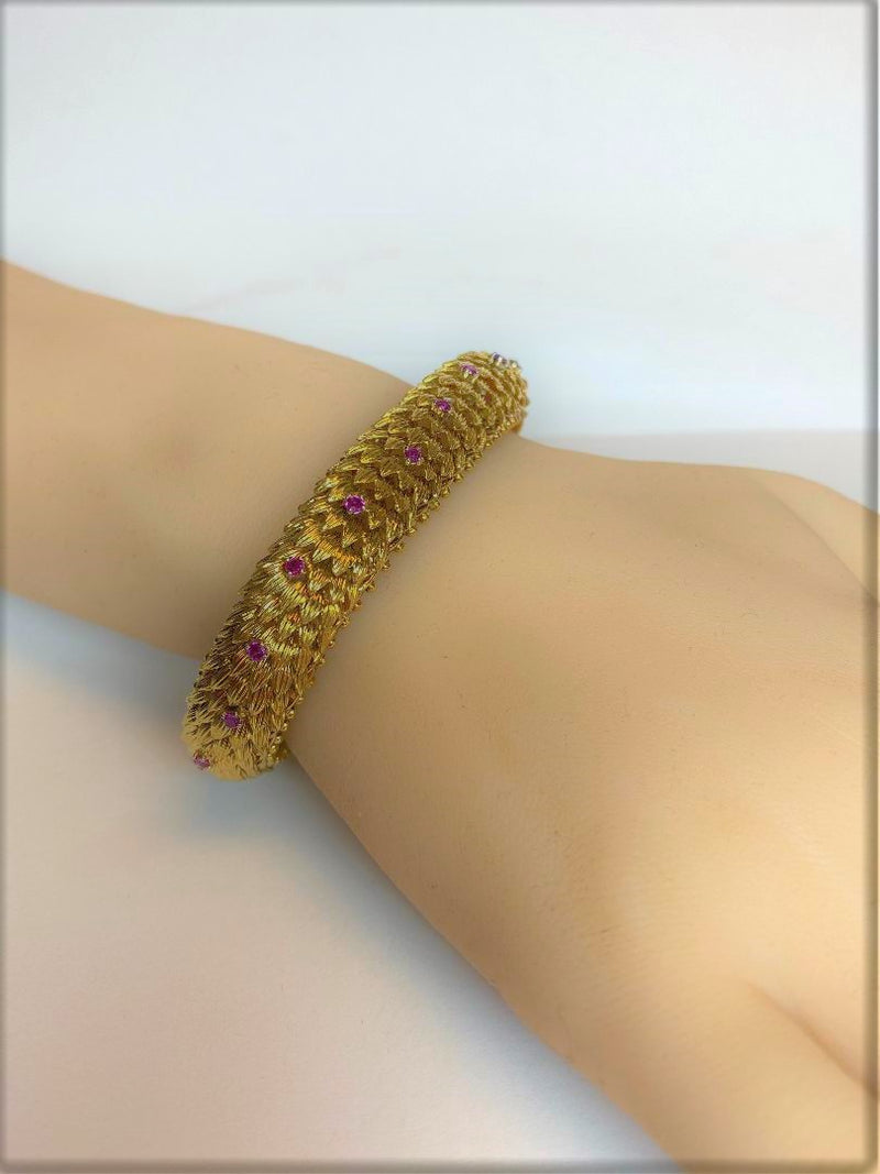18K Yellow Gold Ruby Accented Flexible Link Bracelet