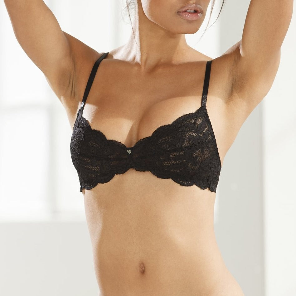 Clo: Fortuna Lace Wireless Soft Bra   - Black