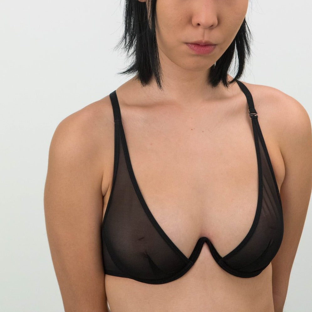 La Fille d'O: Fast Girls Mono Wire V Bra - Black