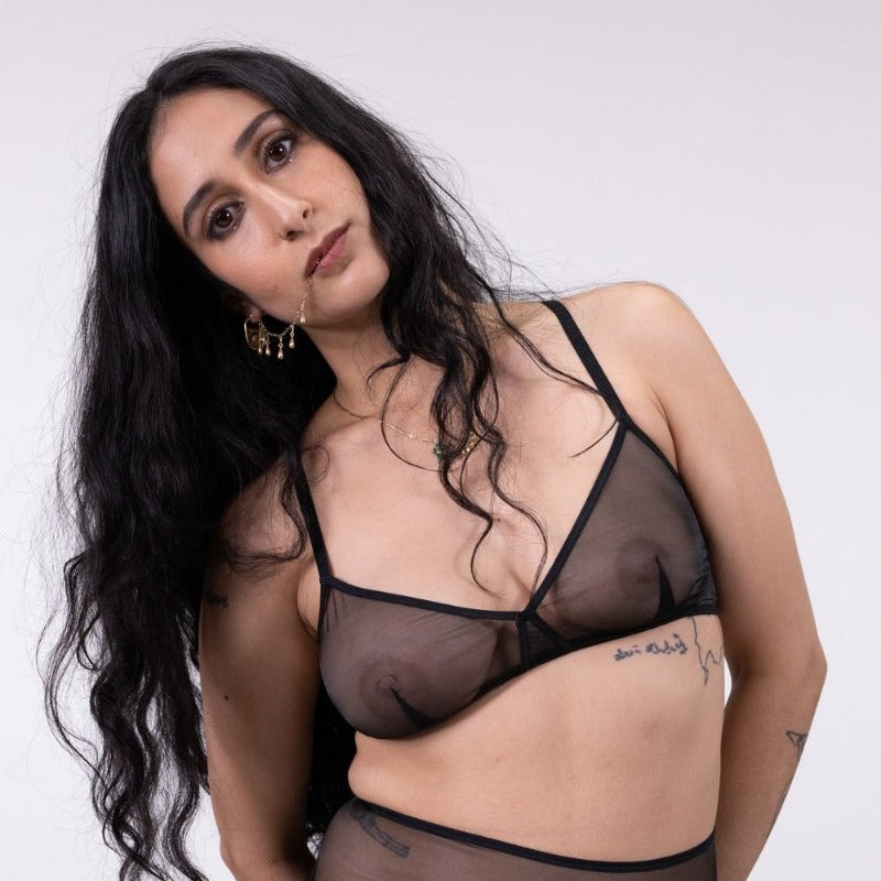 La Fille d'O: Into Dust Multi-Way Wireless Bra - Black