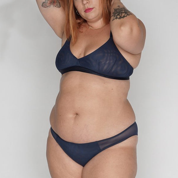 Moons & Junes: Kahlo Triangle Wireless Bra - Navy