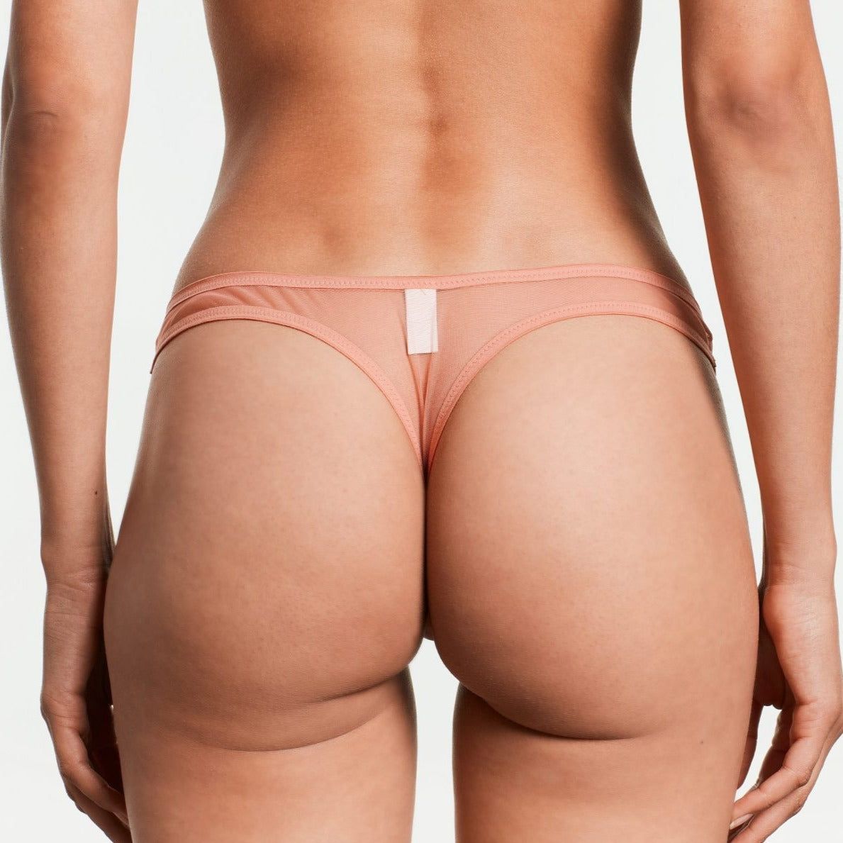 Yasmine Eslami: Serena Thong - Strawberry