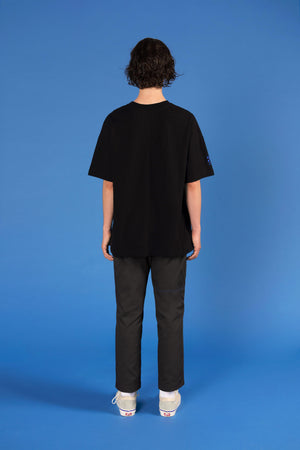 'Woman Silhouette' T-shirt (Black) - Mercanie