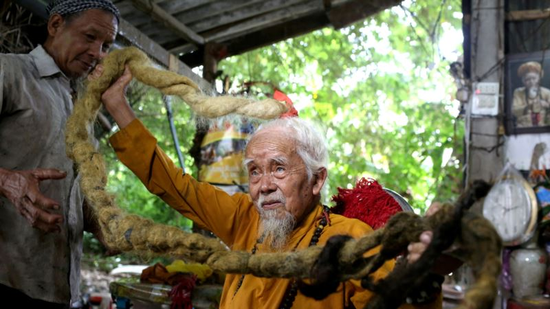 Vietnamese Man Has Not Cut His Hair for 80 Years