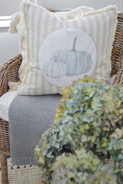 Simple Fall Decorating Ideas with Textiles