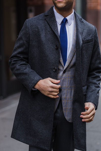 The post 3 Great Holiday Outfits: Be The Best Dressed Gent in the Room appeared first on Effortless Gent.