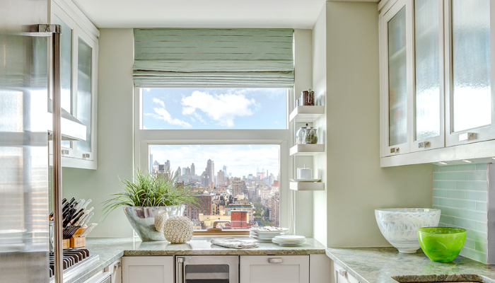 Are Window Valances Stuck in the '90s, or Do They Have a Place in Modern Design?