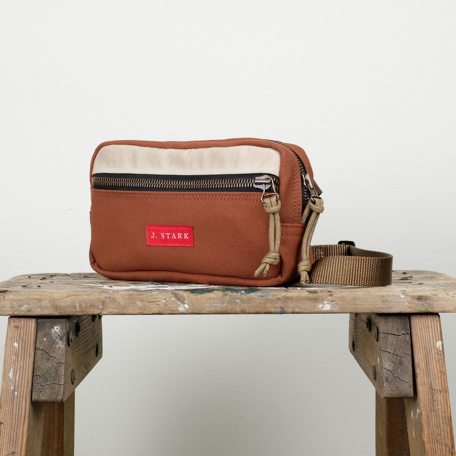 Oxford Crossbody Pack