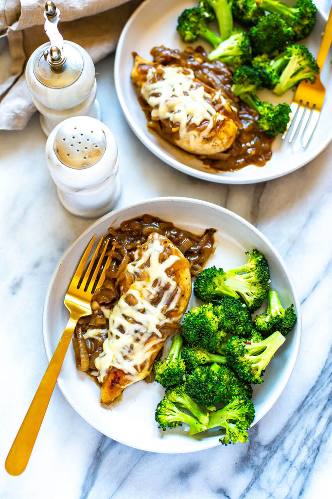 This French Onion Chicken Skillet is a delicious weeknight dinner that is a play on French onion soup and packed with protein, making it a full meal