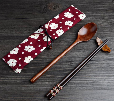 Exquisite and Environmental Wood Spoon Chopsticks Cutlery Set with Cloth Carry Bag Red