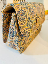 Load image into Gallery viewer, Cork: Capri Bag - LuckyLuLuAust