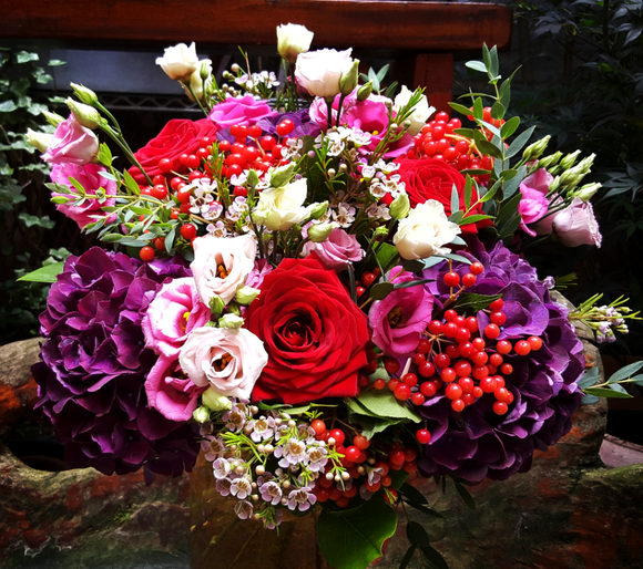 Elegant Country Style - HTA216 - Yeomans Flowers in London NW1