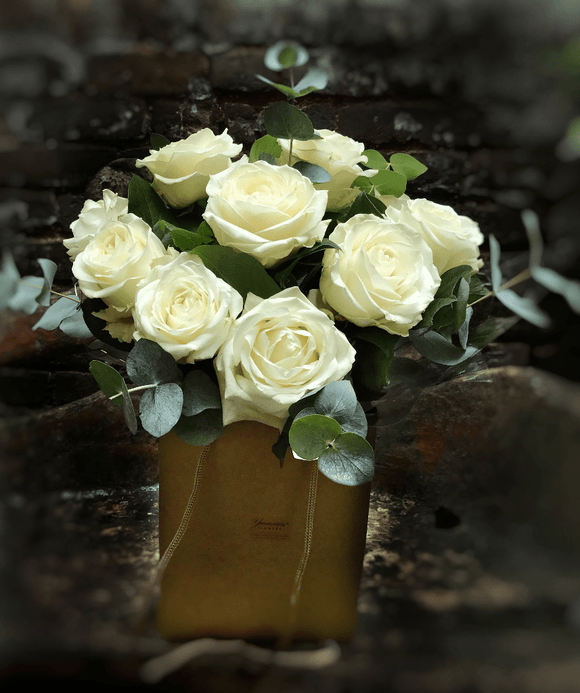 Luxury White Roses Bouquet - Yeomans Flowers in London NW1
