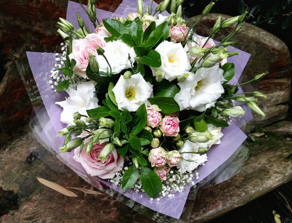 White And Pink - HTM4015 - Yeomans Flowers