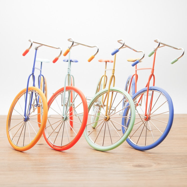 Retro Pastel Desktop Model Bicycle