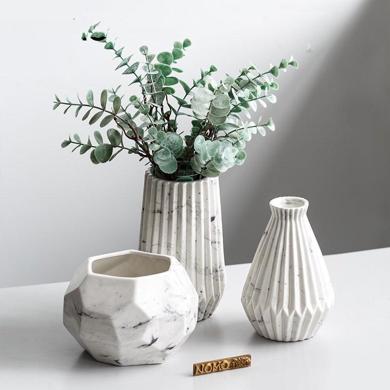 White Marble Ceramic Ribbed Geometric Flower Vase