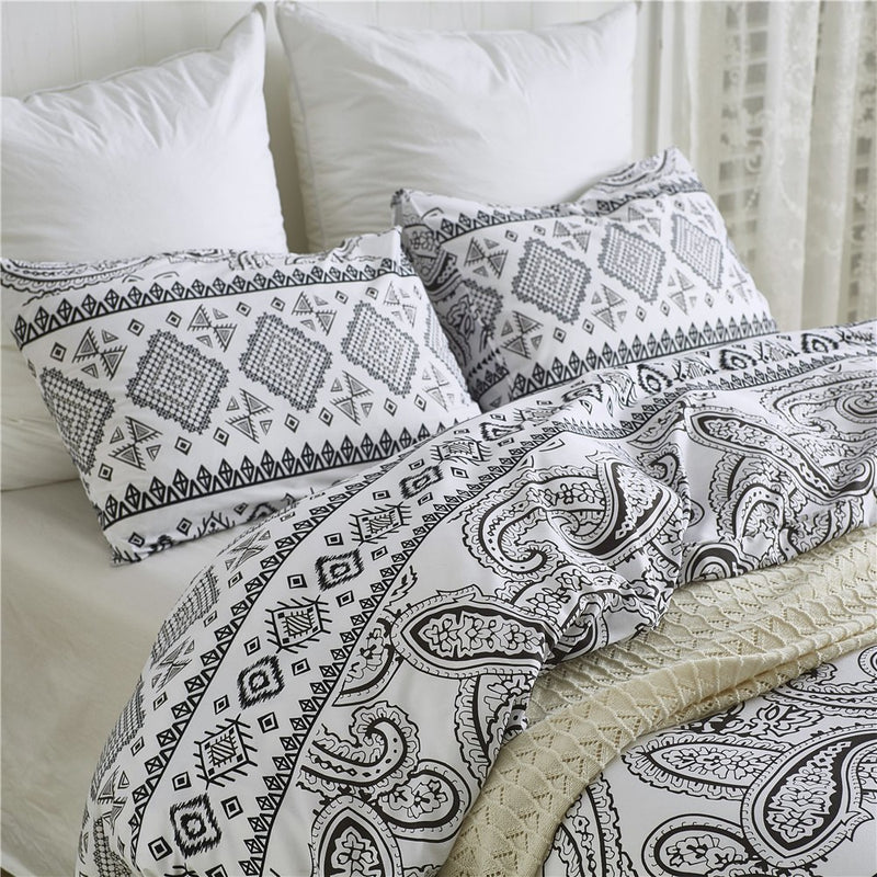 White 2/3-Piece Boho Geometric Pattern Duvet Cover Set