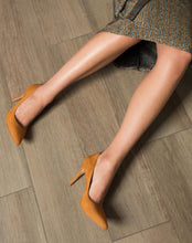 Vega Stiletto - Brown Suede