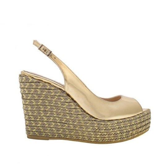 Isabel Wedge - Gold Leather is one of Barcemoda's most elegant ladies wedge heels.