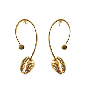 Cowrie P earrings