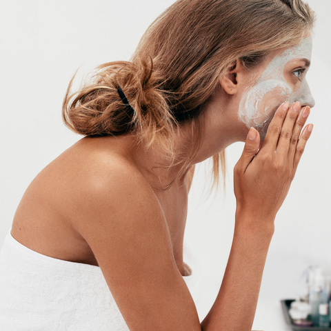 What comes first the serum or the moisturiser ?The ultimate skin care application guide