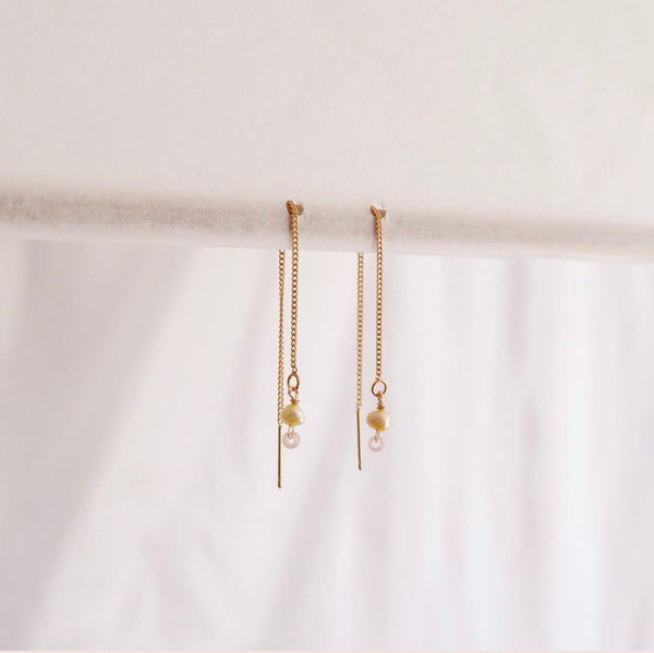 Thread earrings - Freshwater pearls - lemon + pin