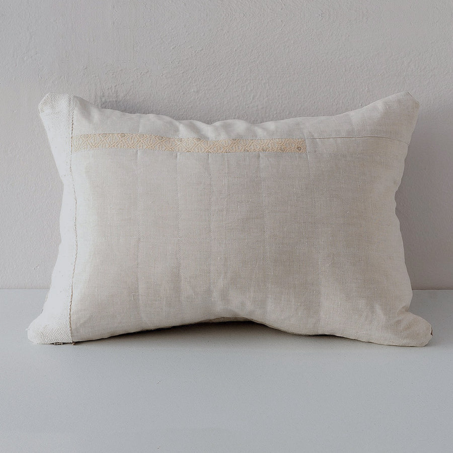 Jaki PIllow