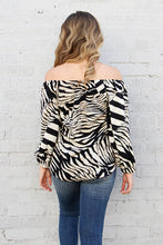 Load image into Gallery viewer, Resort Zebra 3/4 Sleeve Top