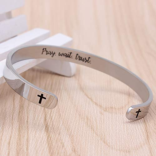 Engraved bracelet for men - Pray,Wait,Trust