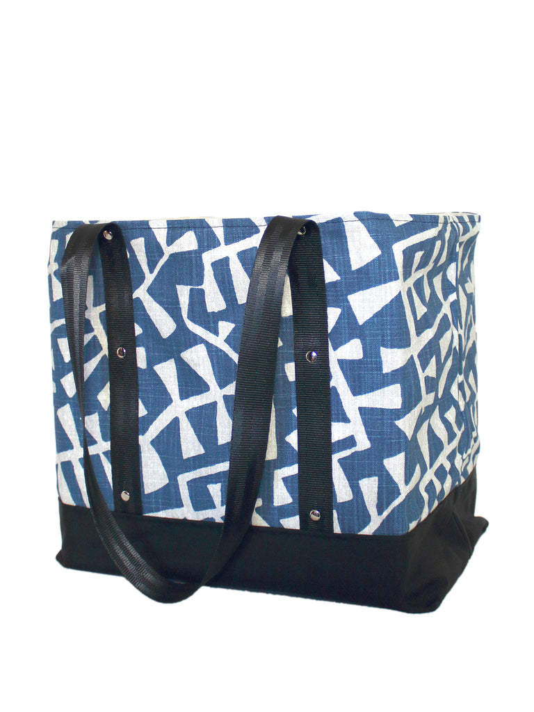LUGGER - NAVY BRANCHES - HANDMADE VEGAN REUSABLE BAG