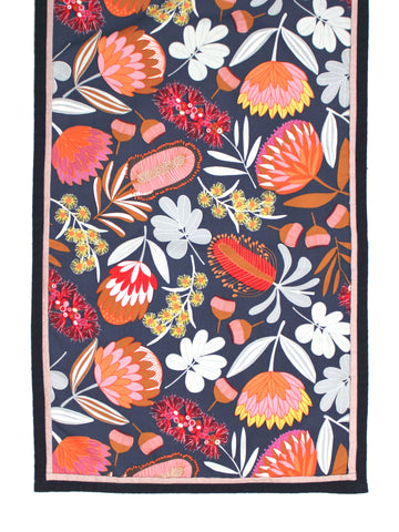 Table Runner - Protea