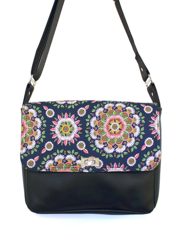SMALL MESSENGER BAG - DELPHINE - CROSSBODY BAG