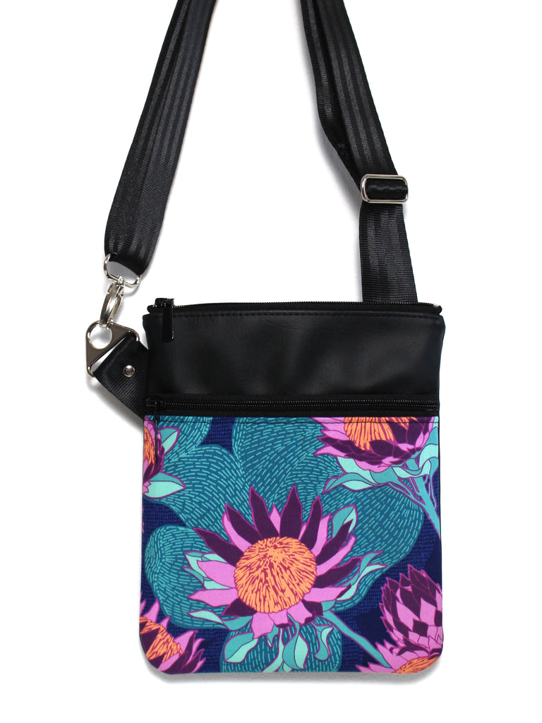 SMALL ZIP-IT - PROTEA - HANDMADE VEGAN BAG