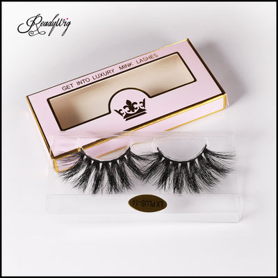 super-long and luscious mink lashes with uplifting curl