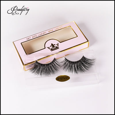 long, wispy false eyelashes with mink fiber