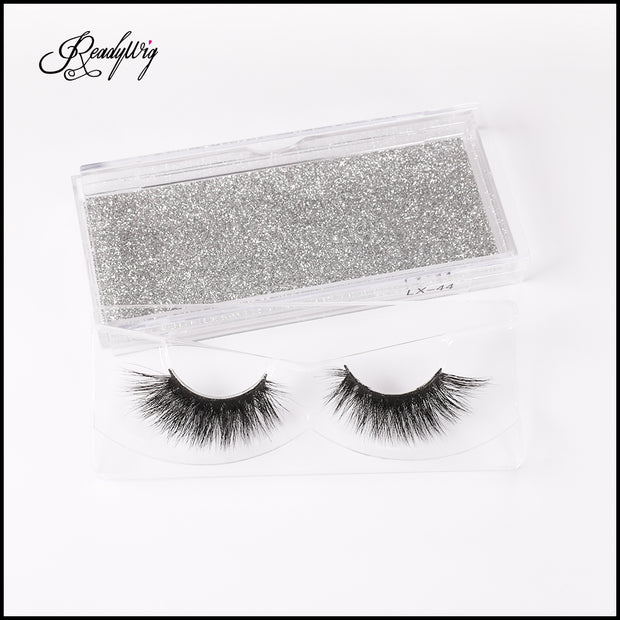 medium volume mink eyelashes with a natural style