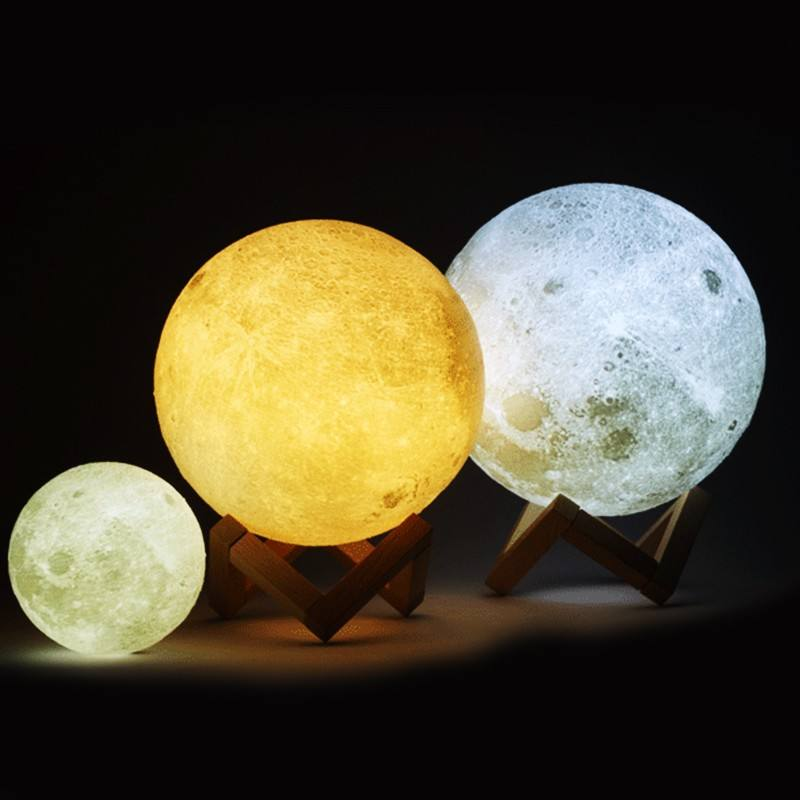 different moon lamp of different size