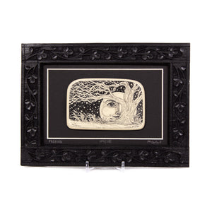 """Peeking"" Large Chip Carved Frame"